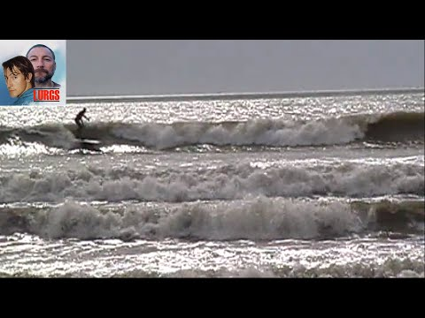 Surfing Hot Pipe 2-4ft Offshore Wind - 2017 March
