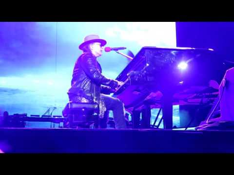 November Rain Guns N Roses Nashville 2016