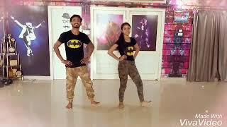 ANGREJI WALI MADAM (Choreograph By STEP UP  DANCE FACTORY)   BAREILLY  ..VIKAS  SANI. & MISHTi SAHNI