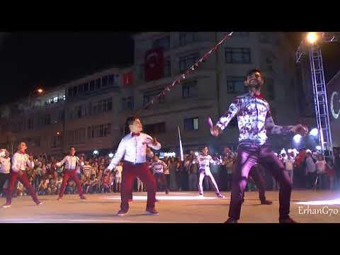 Baixar Genç Osman - Grup Kaşıks Gösterisi