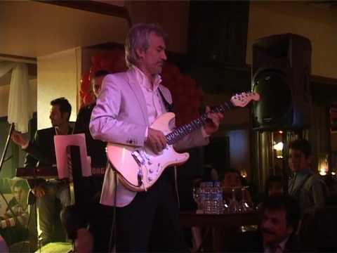 Kurtuluş Türkgüven Gitar  Show