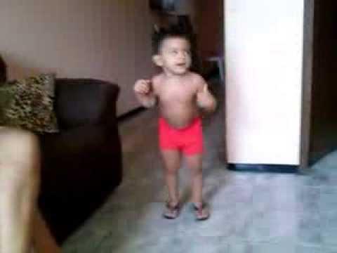 Rian Marques dançando