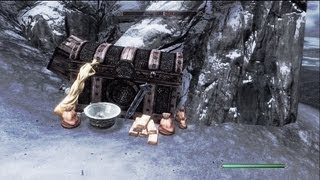 Skyrim: Treasure Chest With Lots Of Gold