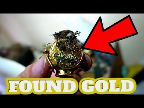 WE FOUND GOLD AND ANTIQUES IN ABANDONED HOUSE ( FROZEN IN TIME )
