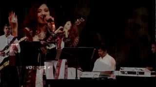 Paan Khaaye Saiyan Hamaro - By Moonmita Ghosh from Teesri Kasam [1966] HD Video