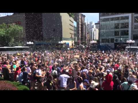 Union Square  Bubble Party New York 2015