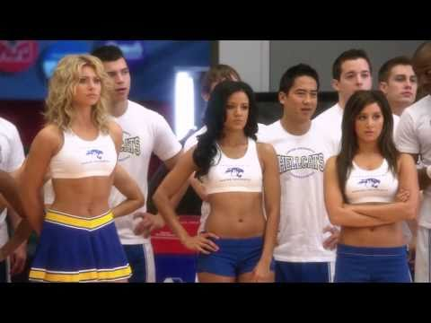 Aly Michalka & Ashley Tisdale as Hot Cheerleaders