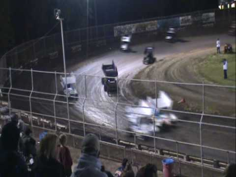 MICRO SPRINT CAR RACING CRASH.  PLAZA PARK RACEWAY