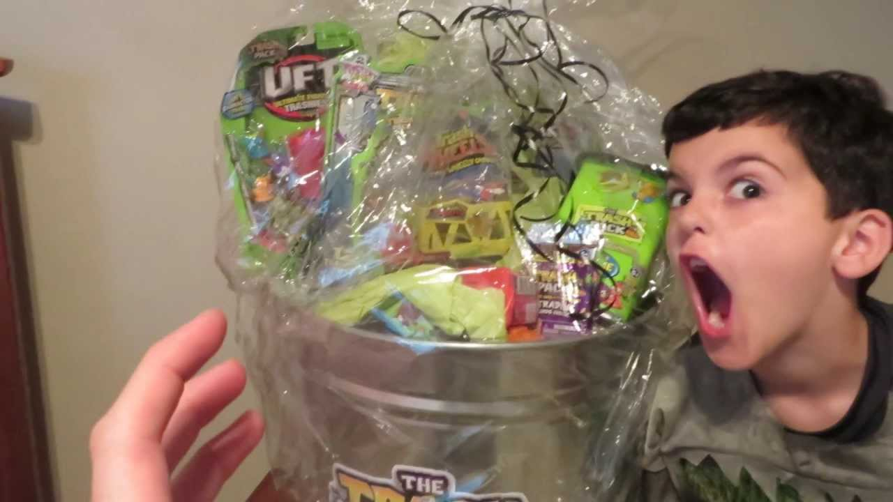 Trash pack grand prize revealed for make your own trash for Make your own halloween mask online