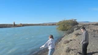 Camino a El Chalt{en - Tirando piedras al río