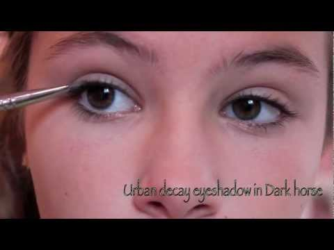 7th grade makeup tutorial!