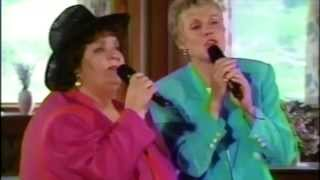 Anne Murray & Rita MacNeil: Flying on Your Own
