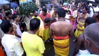 Theemidhi - Marche sur la feu - Fire walking ceremony  2011 - Long mountain - Mauritius Part 1
