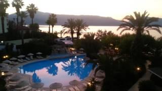 Hotel Tropikal - Early Morning