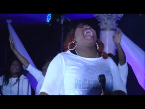 Psalmist Raine and The Refresh Live DVD