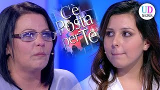 C'è posta per te: Rossella non perdona la madre, ha cambiato troppi uomini!
