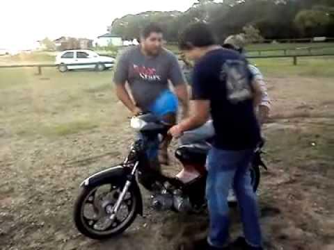 Colgada Moto 110, Con Caida Jjajaa