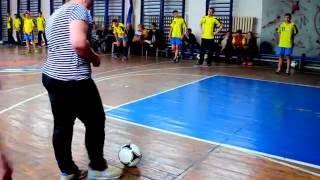Урок фізичної культури з елементами футболу (область)