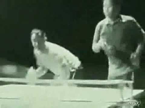 Ðánh bóng bàn b ng côn nh  khúc   Danh bong ban bang con nhi khuc   Video hài   Video hai   KhaKha com
