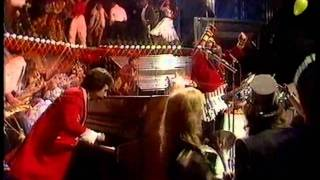 Wizzard - I Wish It Could Be Christmas Everyday 1981