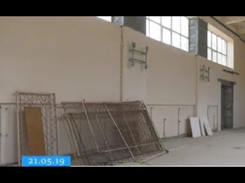 ТРК ВіККА: Фізкультура в коридорі: підрядник уже кількаріч не може доремонтувати спортивну залу