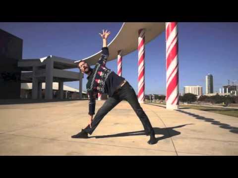 Yoga Poses: How to do Candy Cane Pose/Ardha Chandra Chapasana