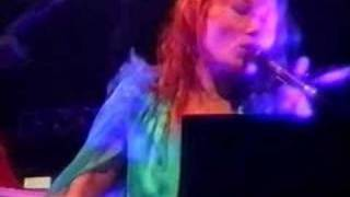 Tori Amos - Jan-16-03-London = I Can't See New York (cut)