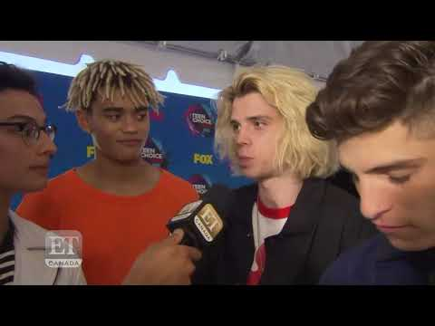 PrettyMuch On The 2017 Teen Choice Red Carpet