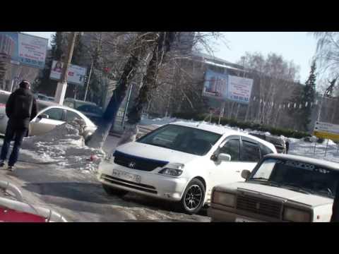 Алексея Навального облили зеленкой на открытии штаба в Барнауле