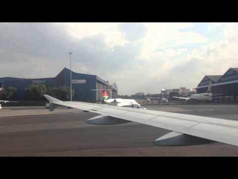 Taxi with South African Airways @ Johannesburg Airport