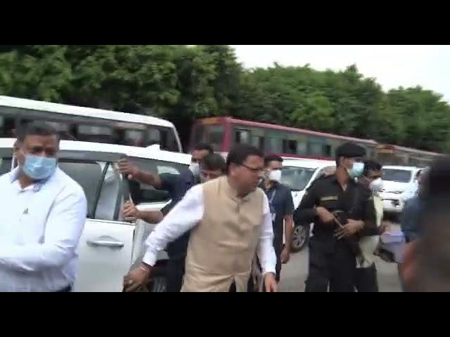 CM पुष्कर सिंह धामी के ISBT का किया औचक निरीक्षण। 7 दिन में सुविधाओं को बढ़ाने के दिए निर्देश।