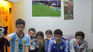 Argentinos viendo la final de la copa América centenario