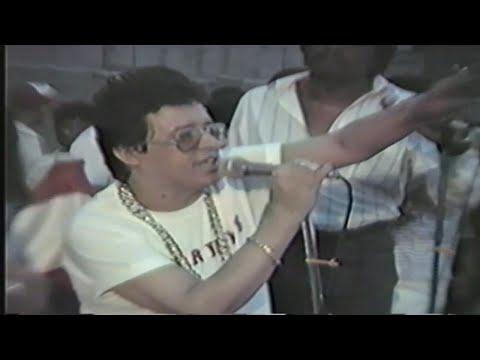 Héctor Lavoe -  Presentacion en la 156th St. 3Av. del Bronx, NYC (1989)