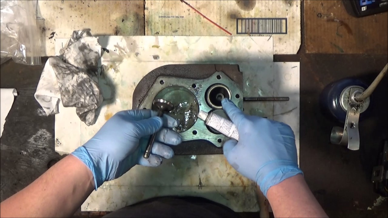 Kohler kt17 Rebuild Part 7: Honing the Cylinders and Lapping the Valves