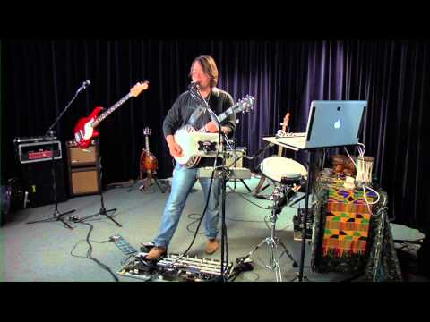 The Art of Live Looping featuring Arthur Lee Land's step by step Commentary.