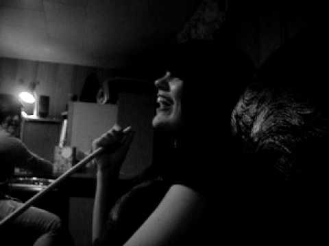 Aude qui chante xd
