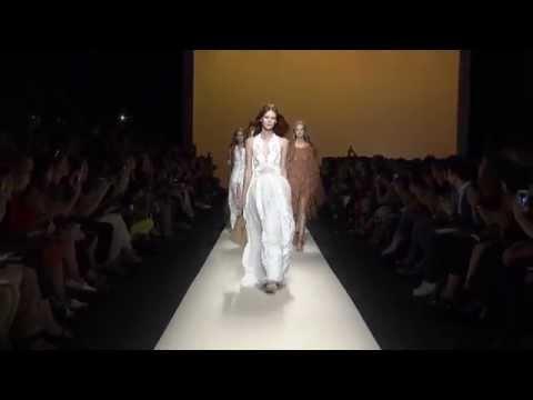 Alberta Ferretti Fashion Show SS 2015