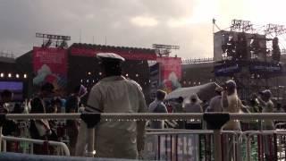 日本人排隊進場看演唱會 拿摩有秩序啊 ~