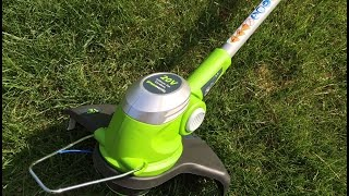 GreenWorks 21072 Gen1 20V 12-Inch String Trimmer - 20V Li-Ion 2.6 AH Battery and Charger