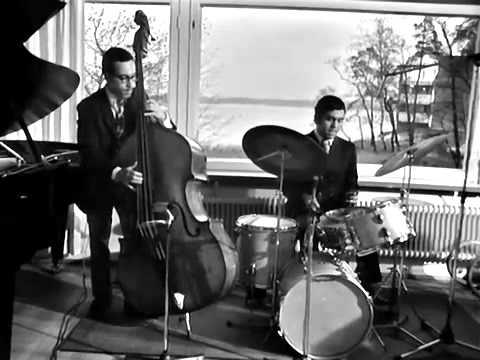 "Bill Evans Trio, in ""Alfie"", Lauttasaari, Helsinki, Finland, 1970."