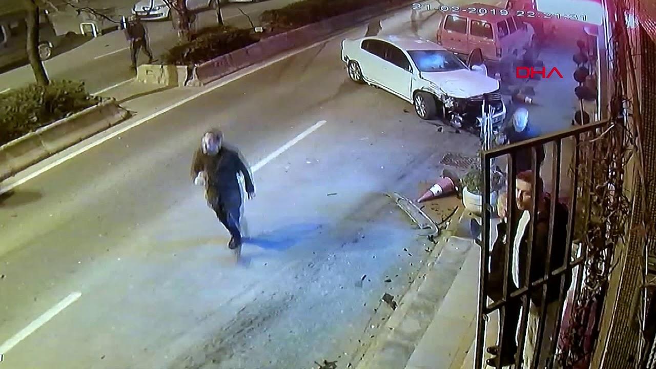 Bayrampaşa'da caddeyi savaş alanına çeviren kaza kamerada