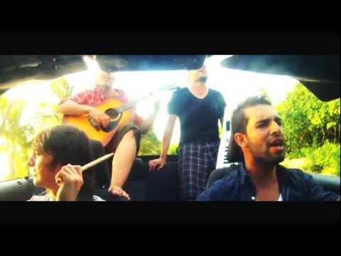 Sola - Alkilados (Video Oficial)