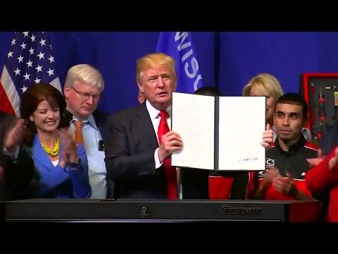 """US-Wirtschaft: Trump unterzeichnet """"Buy American""""-Dekret"""