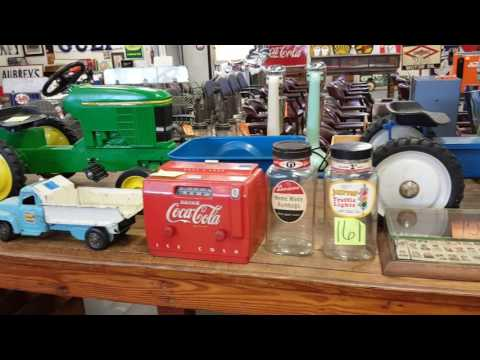 Annual Fall Advertising, Americana, and Nostalgia auction at Rockabilly Co. OCT. 1, 2016 - 1PM.