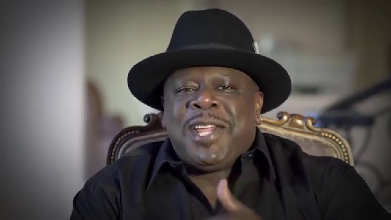 f49dd7e32 A HAT MAKES A GREAT GIFT BY Cedric The Entertainer Who Ced