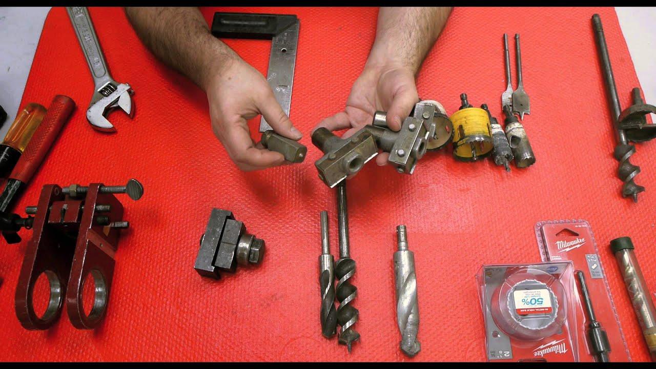 Locksmith working