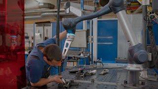 CLOOS - Cobot Welding Systeme bei Glüpker: Kleine Losgrößen wirtschaftlich schweißen!