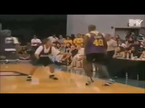 Queen Latifah with the lock down defense on Shawn Kemp