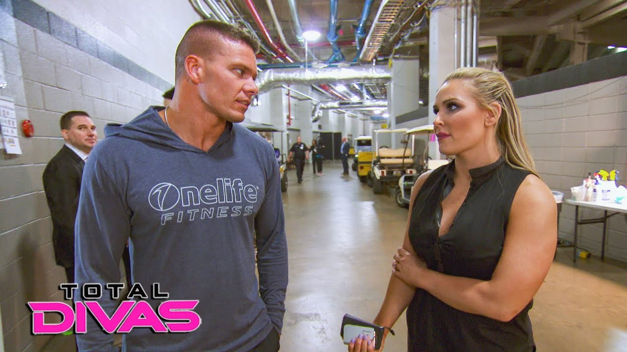 Paige questions Tyson Kidd about hurting Natalya's feelings: Total Divas Preview, Sept. 26, 2018