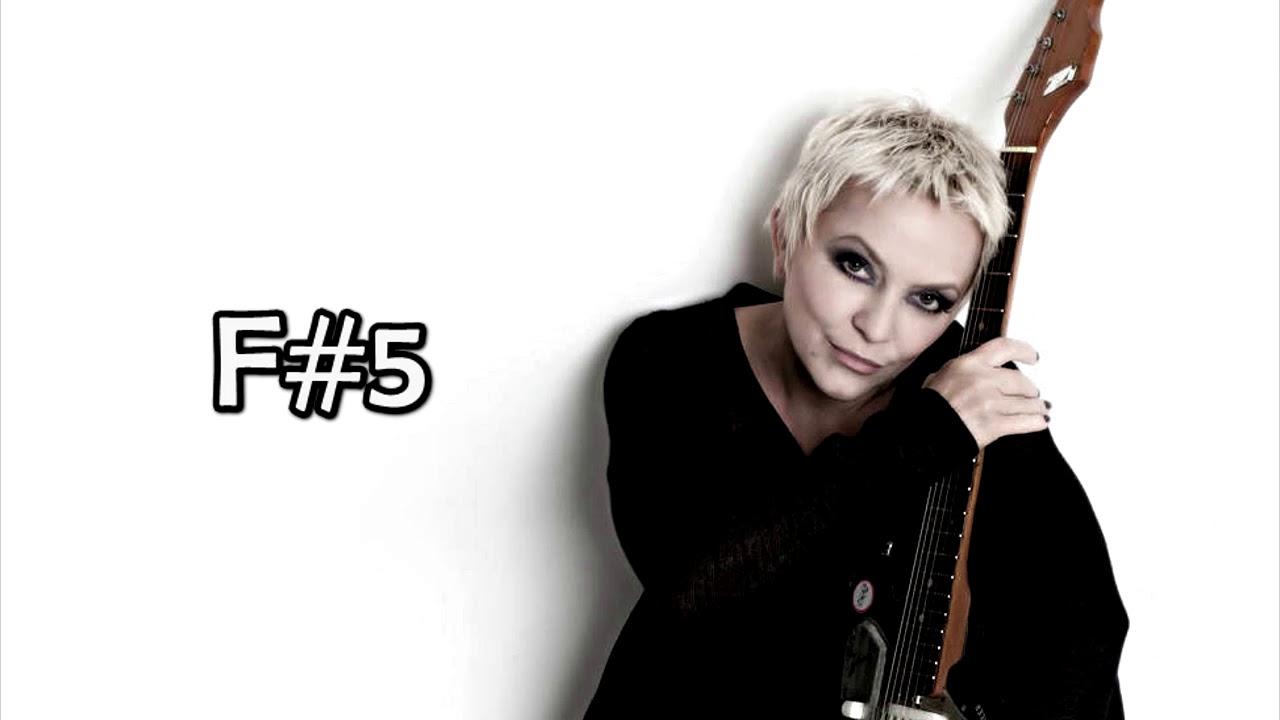 Małgorzata Ostrowska: Studio Vocal Range [G2-F7]